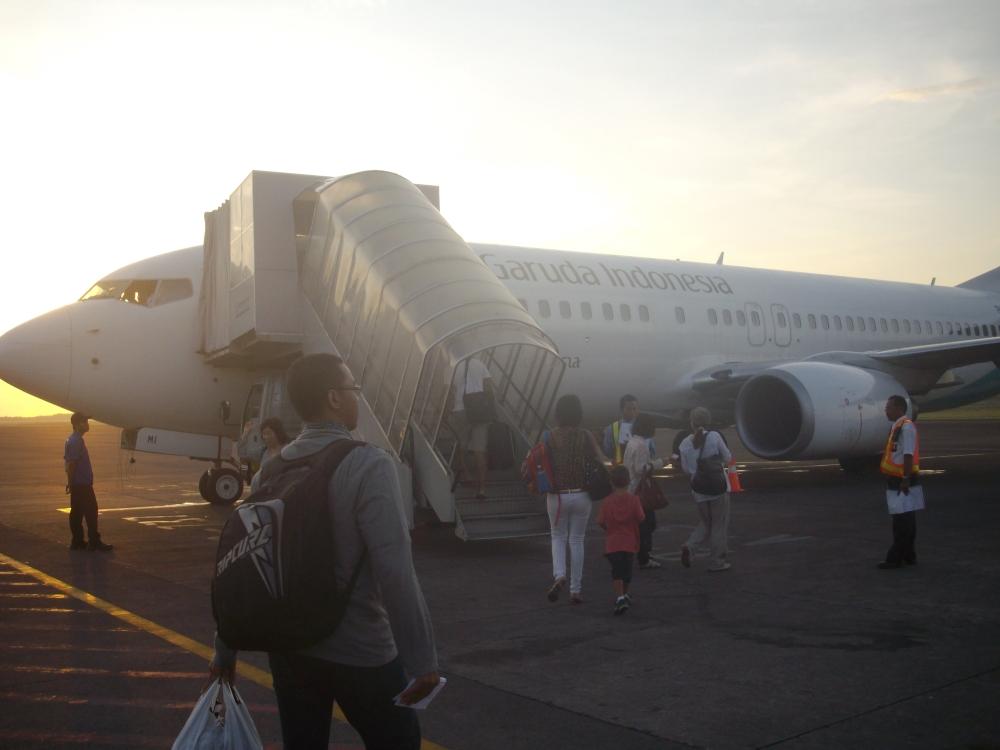 Garuda Indonesia Boeing 737-800. Boarding in Denpasar bound for Yogyakarta
