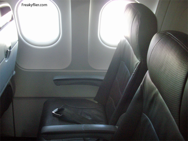 Jetstar Airways seats with a seat pitch of 28 inches and seat width of 18 inches