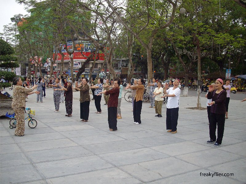 The ladies of Hai Phong exercising