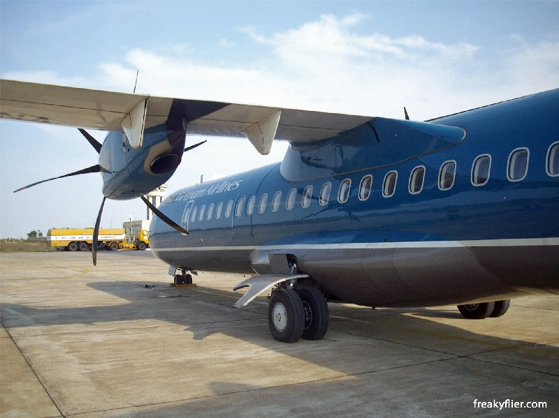 About to board the Vietnam Airlines ATR72-500