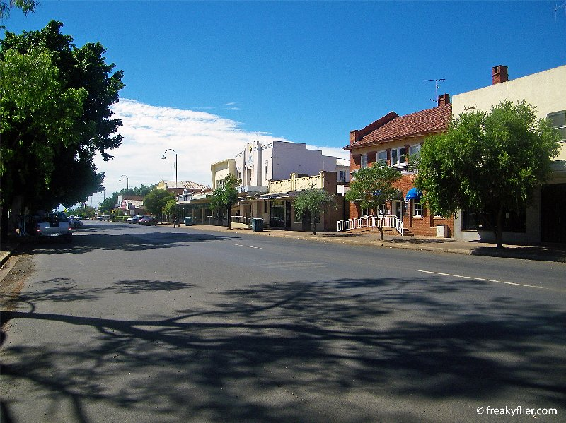 Pangee Street, the main street of Nyngan