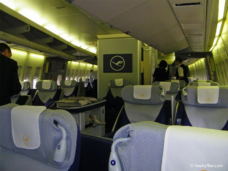Looking back from the front of the forward Business Class cabin on Lufthansa's Boeing 747-400 D-ABVO