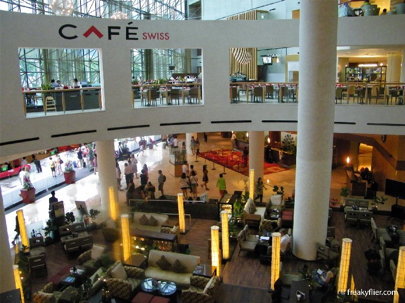 The lobby and cafes at the Swissotel The Stamford