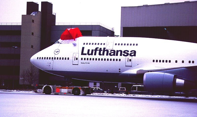 Lufthansa Boeing 747-44 (Photo courtesy or Wiki Commons)