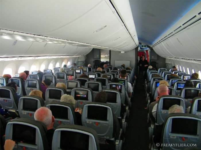Inflight in Economy Class on Jetstar's Boeing 787