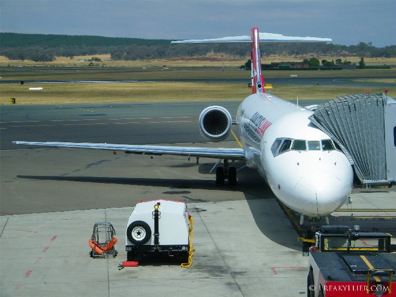 QantasLink Boeing 717 ready for boarding at Canberra Airport