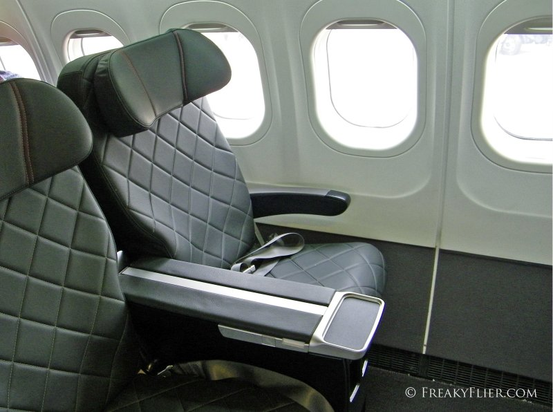 Business Class seats on QantasLink Boeing 717