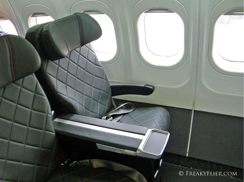Business Class seats on QantasLink Boeing 717