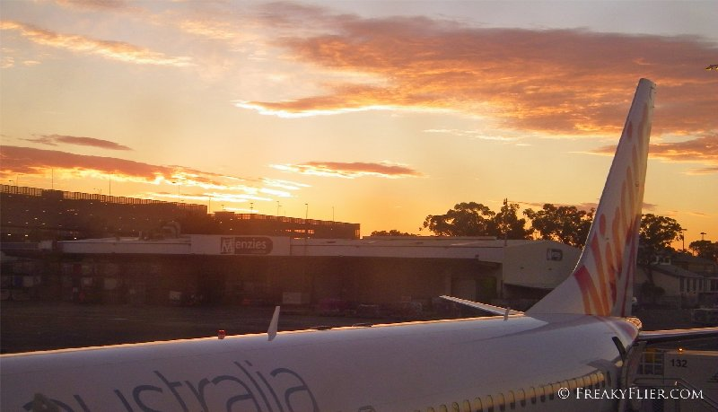 Virgin Australia 737-800 at Sydney Airport