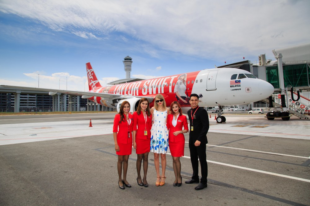 Taylor Swift and Crew (photo courtesy Air Asia)