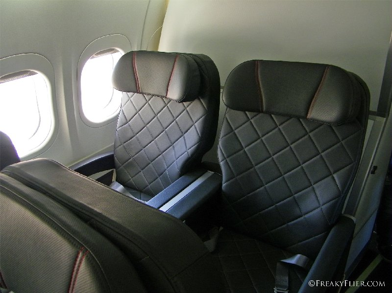 Seats 3C and 3D on QANTASLINK Boeing 717-200