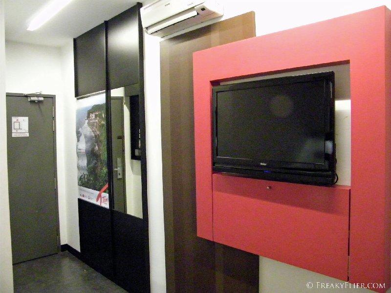 LCD TV in a single room at the Tune Hotel Kuala Lumpur