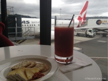 Last drinks with camembert and quince paste at the QantasClub Wellington
