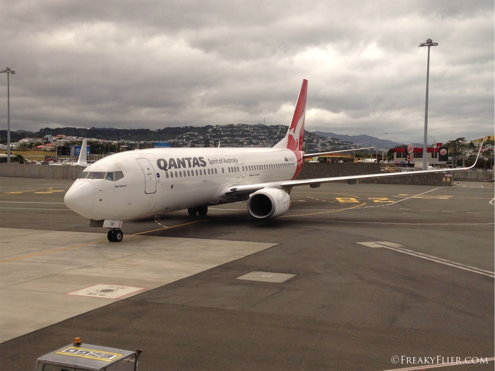 Qantas aircraft arriving at Wellington