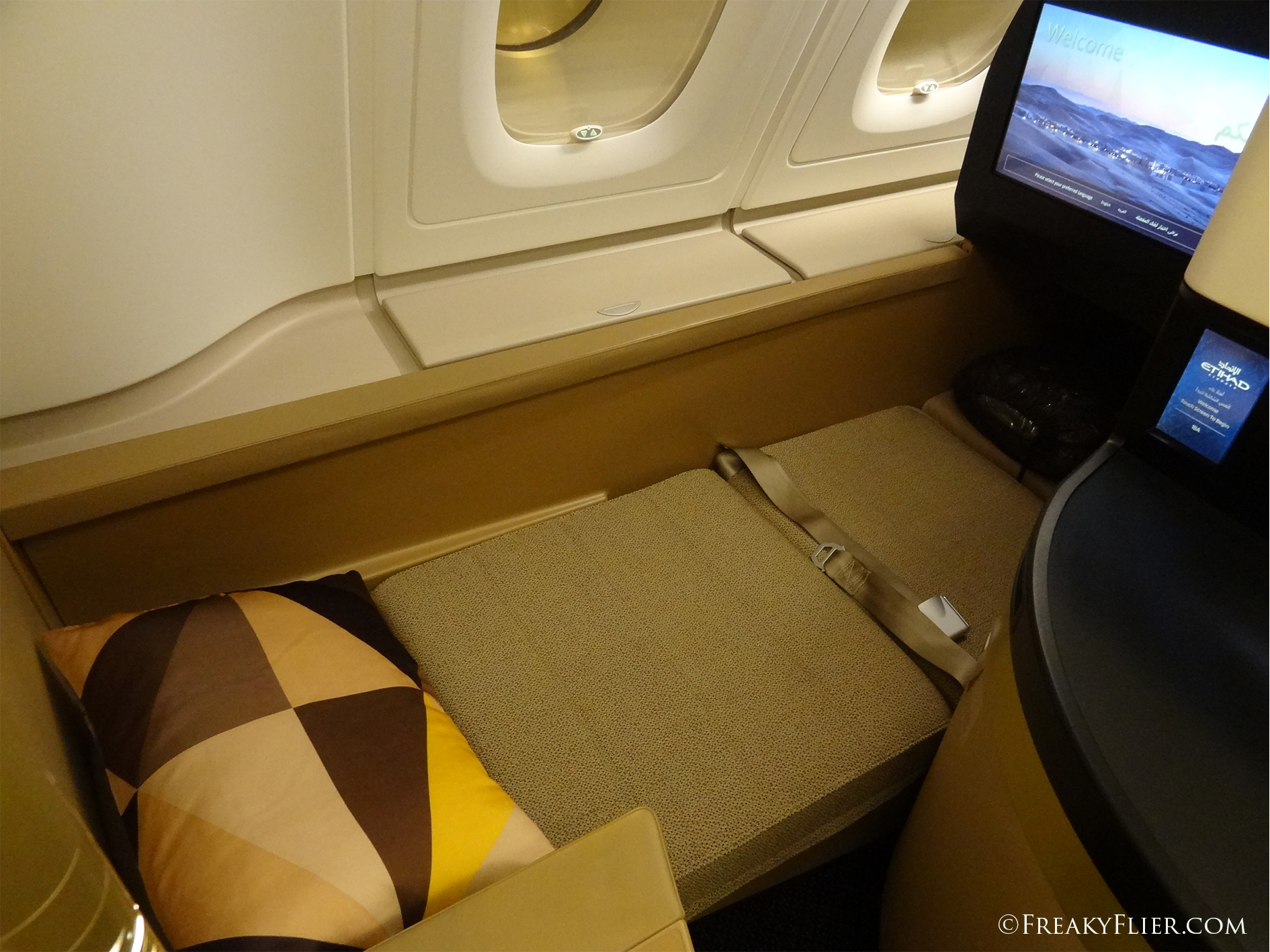 Business Class fully flat bed