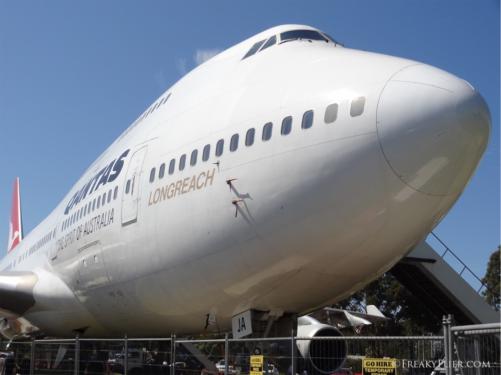QANTAS 747-400 City of Canberra VH-OJA