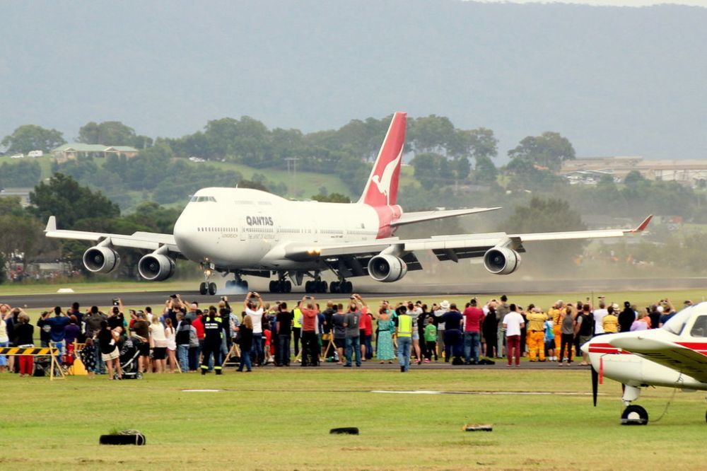 VH-OJA Arriving at HARS Wollongong (Photo curtesy of Wikipedia Commons)
