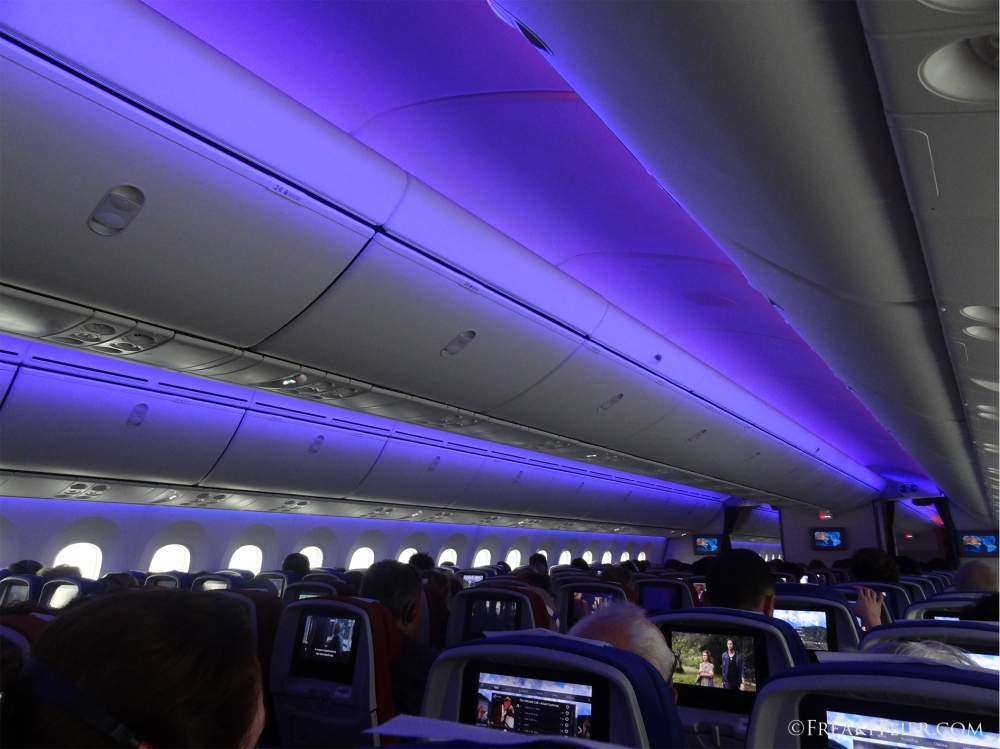 Boeing 787-9 Dreamliner LED lighting