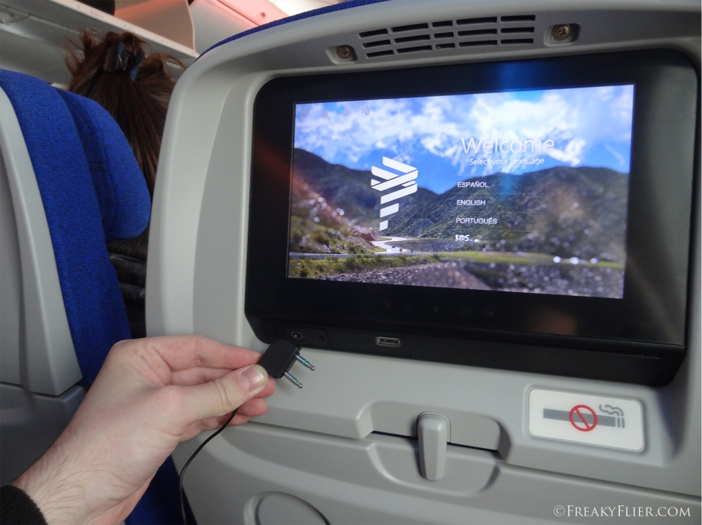 Seatback AVOD with USB on board LATAM Boeing 787-9